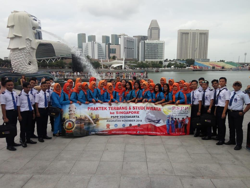 staff penerbangan studi wisata ke singapore