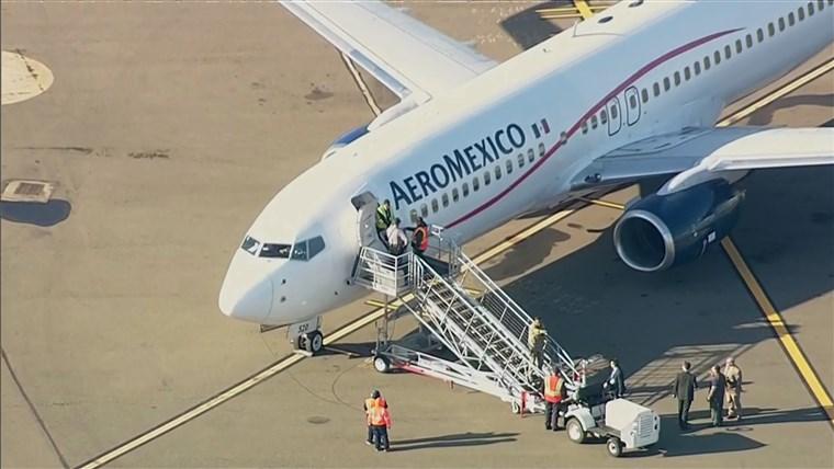 Kenapa Pintu Pesawat Semuanya Berada Disebelah Kiri