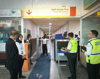 Apa yang Sesungguhnya Dilakukan oleh Staf Lapangan di Bandara?