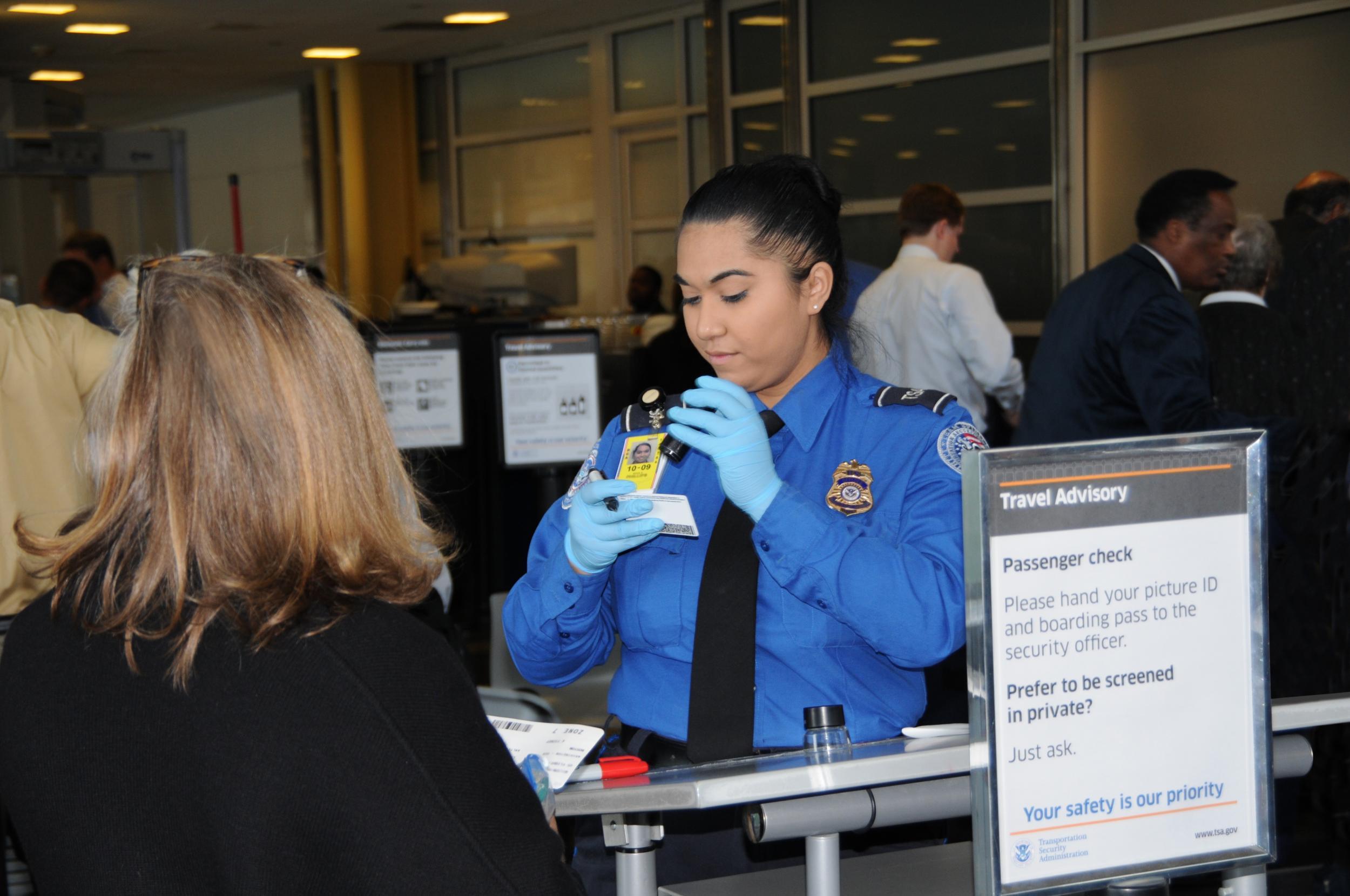 Bersiaplah Sebelum Anda Melalui Keamanan Bandara