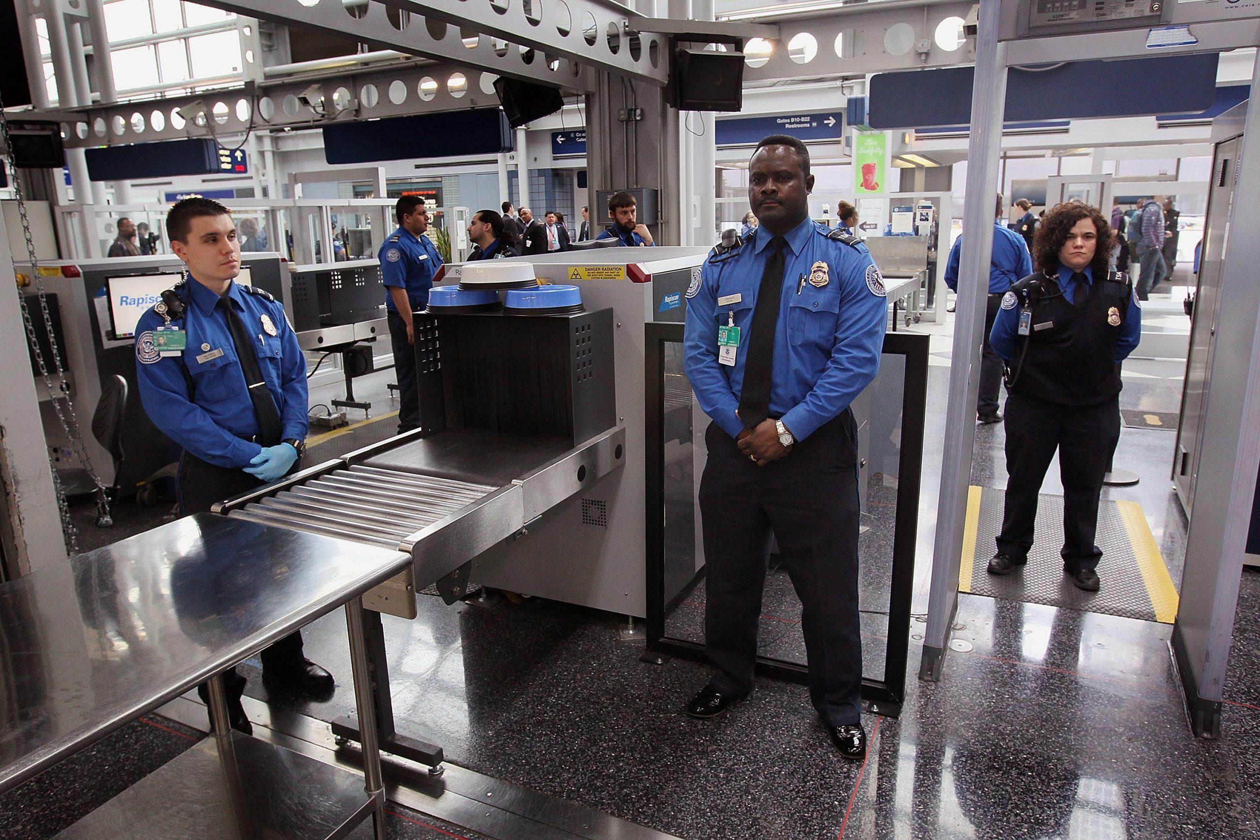 Tugas Utama seorang Petugas Keamanan Bandara